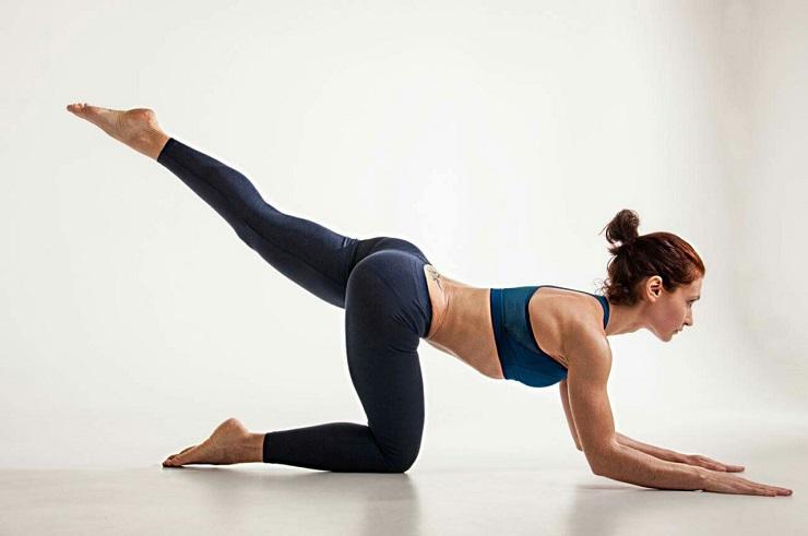 Упражнения пилатес для начинающих в домашних условиях для улучшения осанки и разминки перед бегом