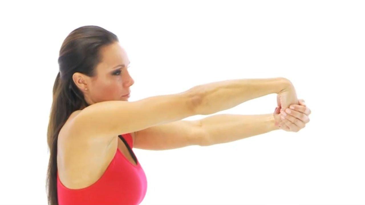Как растянуть мышцы рук