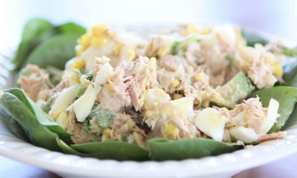 Салат из яиц с тунцом