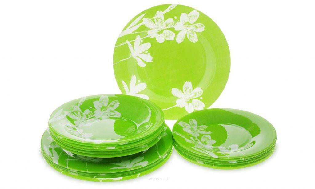 Красивый зеленый столовый сервиз